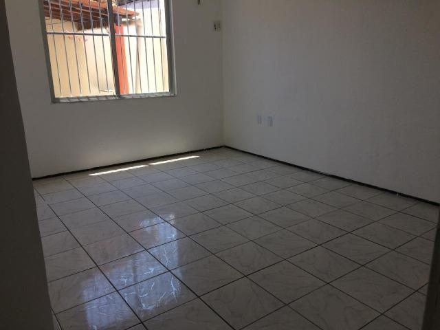 Casa plana,próximo avenida Godofredo Maciel,ótima Localização - Foto 9