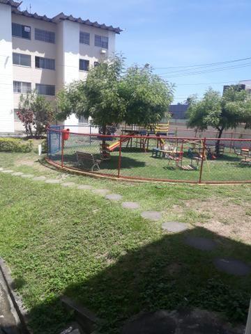 Alugo apartamento condomínio parque das acácias