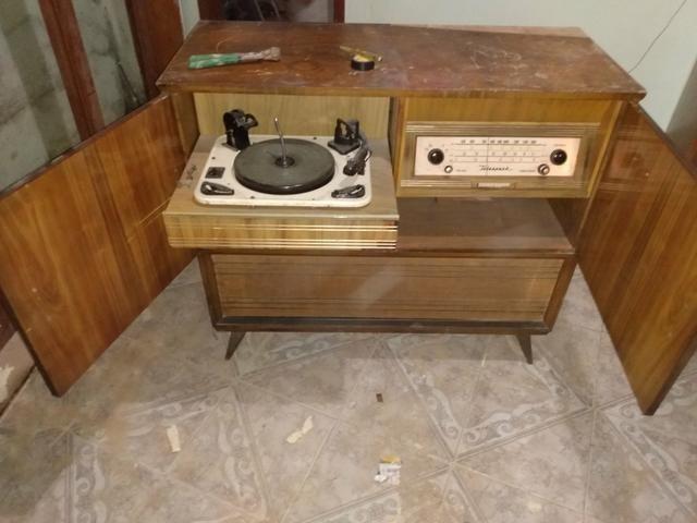 Antigo Rádio vitrola Telespark!