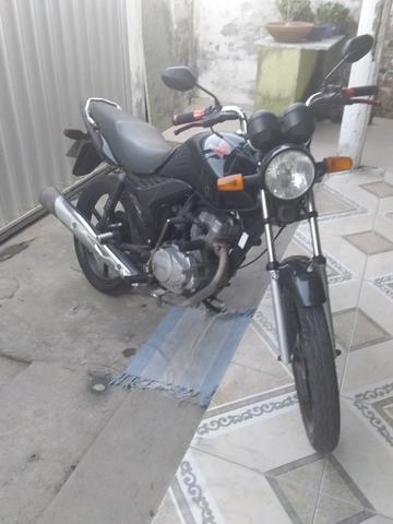 Vendo moto fan 125 ks 2010 toda em dias com placa nova
