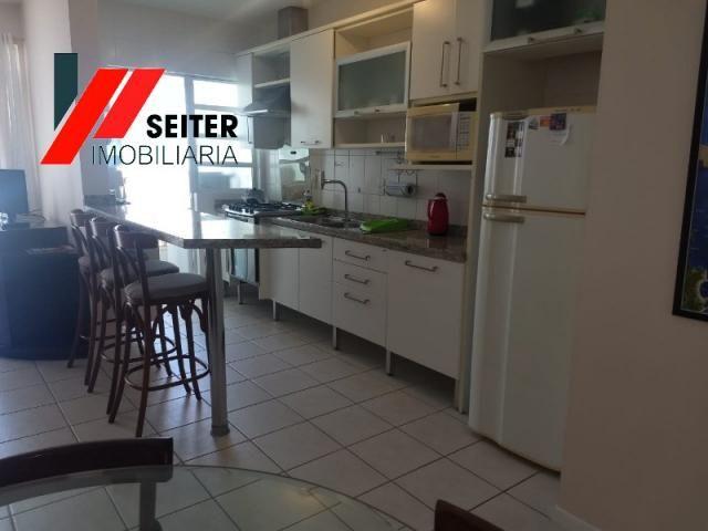 Apartamento mobiliado de 2 dormitorios suite e sacada com churrasqueira no itacorubi - Foto 2