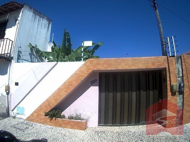 Casa residencial para venda e locação na messejana com 03 suítes.
