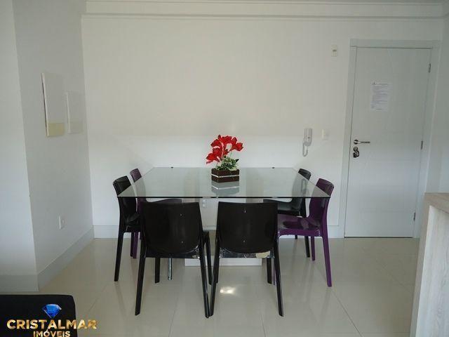 Apartamento novo e bem mobiliado - Foto 6