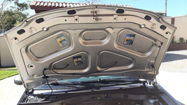 Carro logan 2010 , com chave reserva e manual - Foto 7