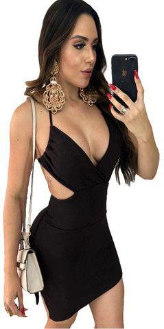 Vestido Curto Colado Sensual de Alcinha de Amarrar Decotado com Bojo Moda Festa e Balada