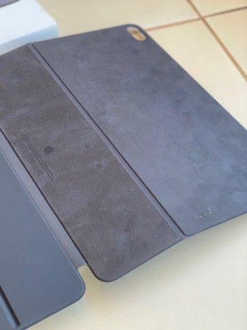Apple Magic Keyboard Folio p/ iPad Pro 12.9 de 3º e 4ªGeração  - Foto 2