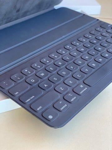 Apple Magic Keyboard Folio p/ iPad Pro 12.9 de 3º e 4ªGeração