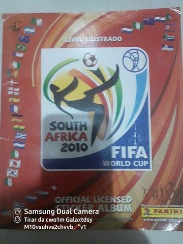 Álbum da copa do Mundo da África 2010 completíssimo .<br>