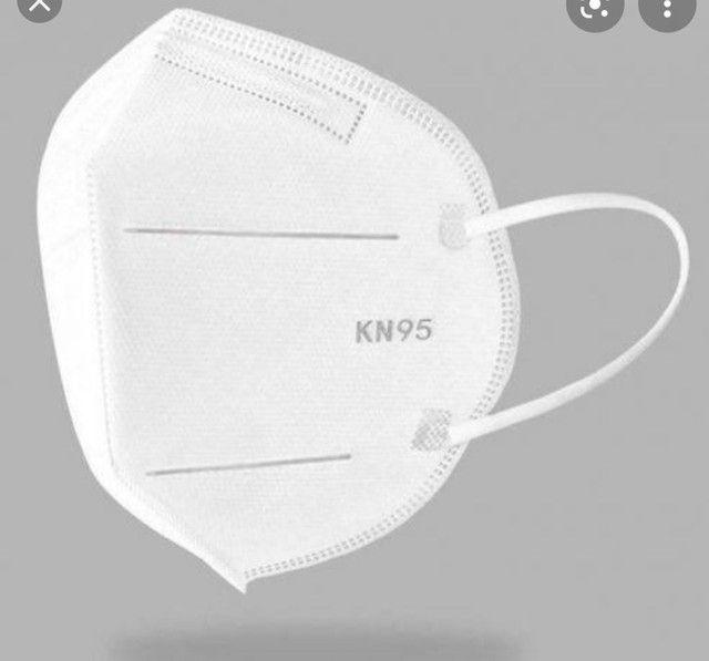 Máscara KN95. Caixa com 60 unidades