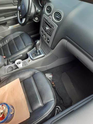 Ford Focus sedan 2010/10 - Foto 4