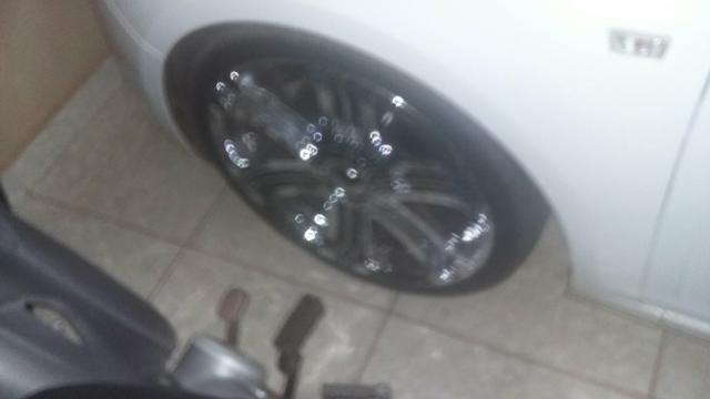 Vendo rodas aro 20.pneus 225/35.pneus todos novos - Foto 3