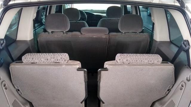 Chevrolet Zafira ZAFIRA 2.0 MPFI ELEGANCE 8V FLEX 4P MANUAL 4P - Foto 8