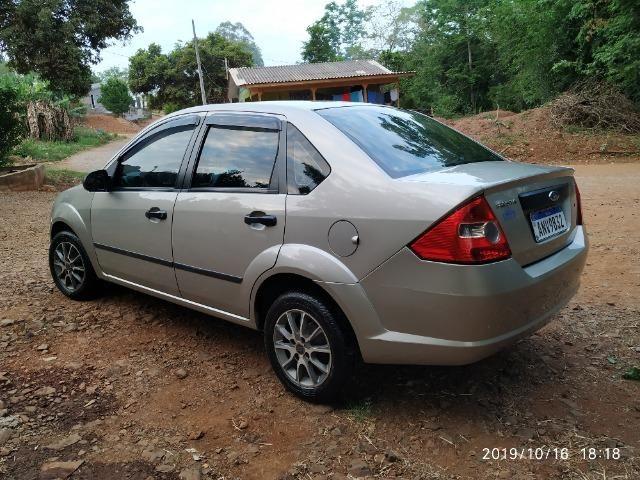 Fiesta sedan - Foto 4
