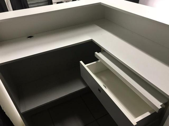 ec107784f Vendo todas as instalações para loja de roupas - Equipamentos e ...