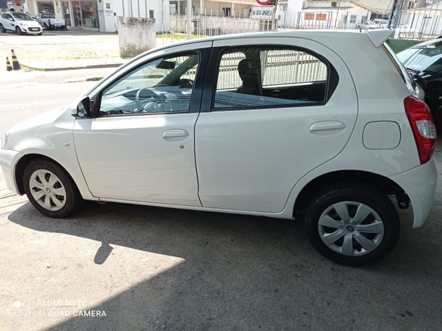Toyota Etios xs1.5 completo bem conservado - Foto 4