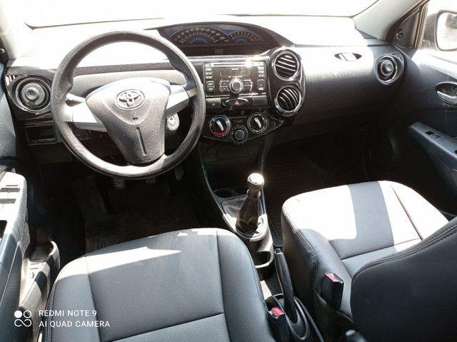 Toyota Etios xs1.5 completo bem conservado - Foto 6