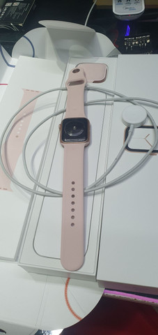 Apple Watch 4 de 40mm. Trincado  - Foto 6