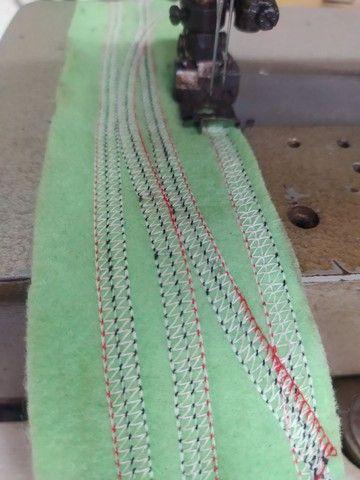 Máquina de costura Galoneira no precinho confira  - Foto 4
