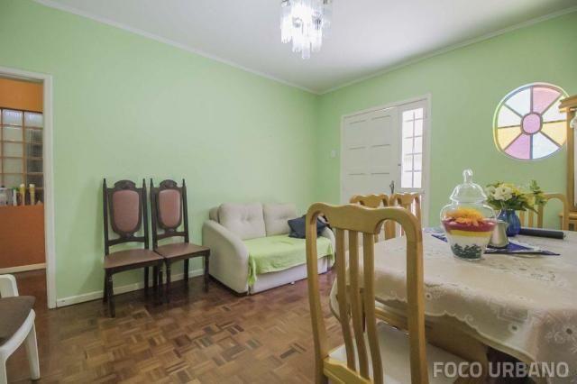 Casa de 154m², 3 dormitórios, 6vagas no bairro Vila Ipiranga, Porto Alegre-RS