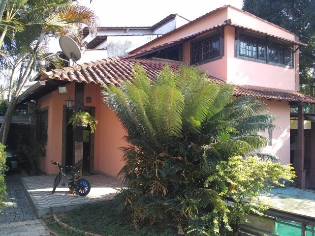 WD Vende casa  3 qtos  c/ piscina
