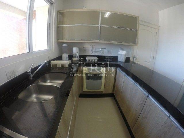 Apartamento a venda frente mar todo mobiliado no Edifício Beverly Hills na Barra Sul em Ba - Foto 15