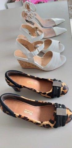 Lote de sapatos femininos 36/37 semi novos  - Foto 2