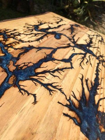 Mesa de centro com madeira e resina epóxi  - Foto 3