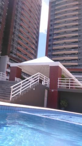 Vende se apartamento Décimo Sétimo Andar Ed. Petrópolis