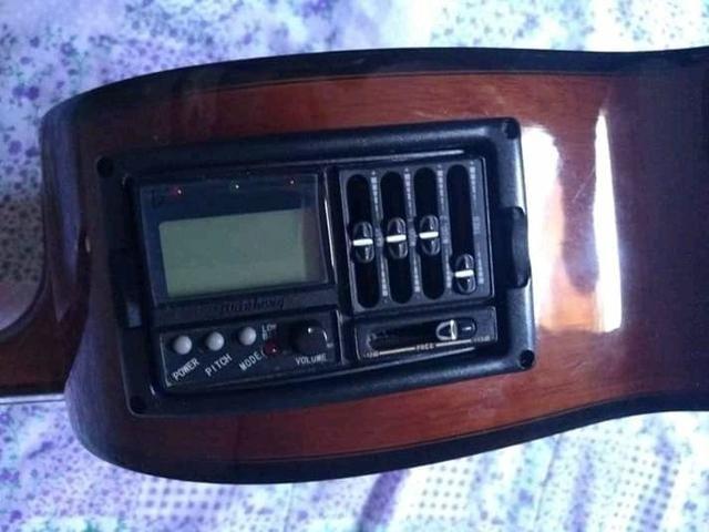 Violão *CANHOTO* com afinador elétrico - Foto 4