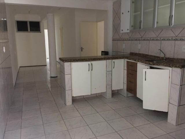 Casa plana,próximo avenida Godofredo Maciel,ótima Localização - Foto 4