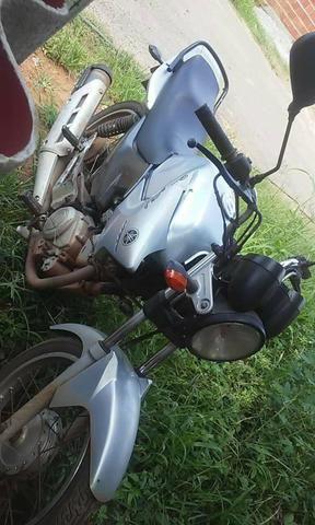 Vendo essa moto tdo em dias sem multa dut embranco