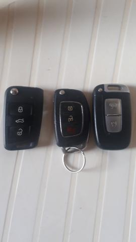Vendo três chaves pra carro