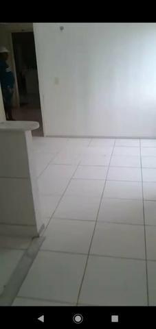 20 mil apartamento novo no itapery 1 vaga 2 quartos 2 andar só entrar e morar * - Foto 3