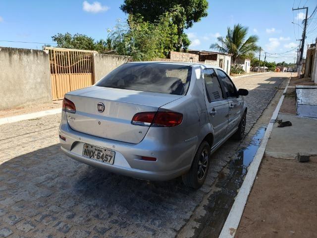 Adriano vendo um carro - Foto 2