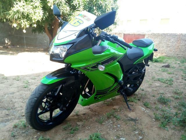Ninja 250 vendo ou troco em moto do meu interese - Foto 2
