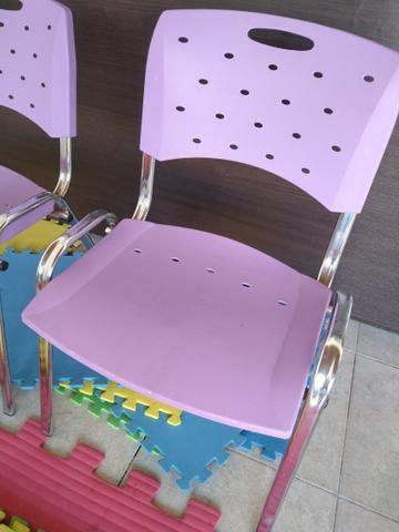 02 Cadeiras Roxas - Foto 2