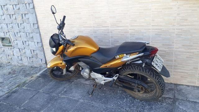 Vendo ou troco cb 300 2010 - Foto 2