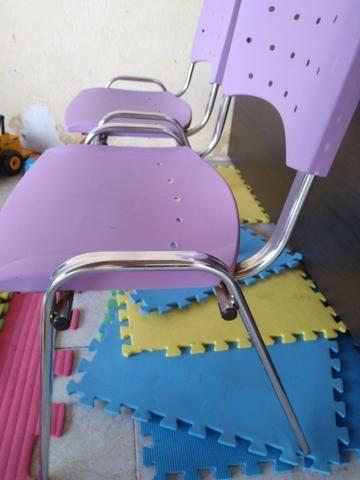 02 Cadeiras Roxas - Foto 3