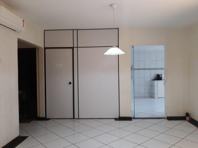 Excelente casa 2 quartos, garagem 3 carros, base para sobrado Riacho Fundo II - Foto 2