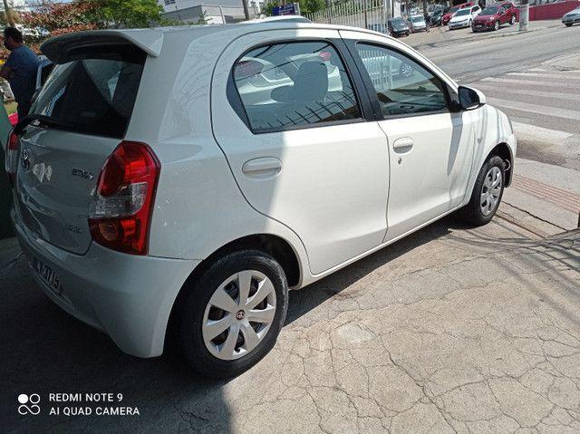 Toyota Etios xs1.5 completo bem conservado - Foto 5
