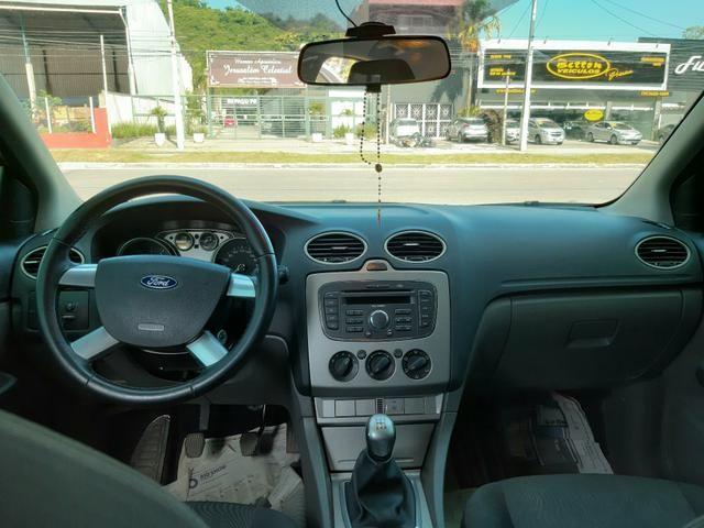 Ford Focus 1.6 GLX Manual - Muito Novo - Procurar Raphael Moreira - Foto 7