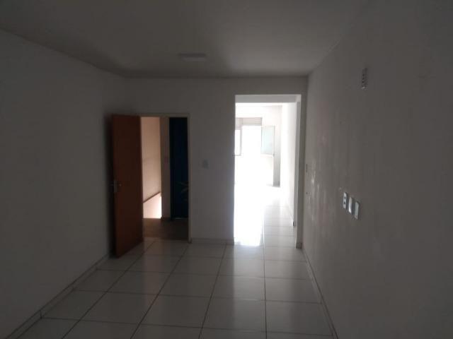Apartamento na Av. Ubaitaba - 1º andar bairro - Malhado - Foto 3