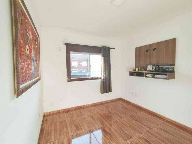 Apartamento 2 dormitórios 1 vaga de garagem coberta. - Foto 6