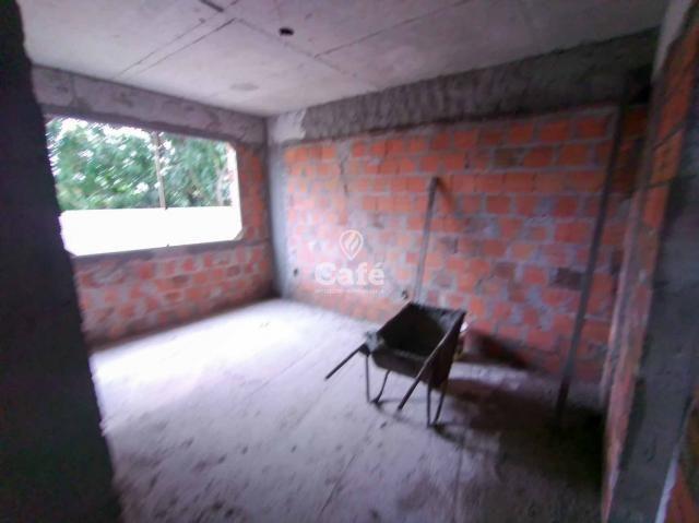 Òtimo empreendimento com 2 Dormitórios, 1 suíte, garagem, sendo localizado em um bairro no - Foto 2
