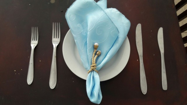 Talheres jantar e sobremesa, prato sobremesa, guardanapos tecido