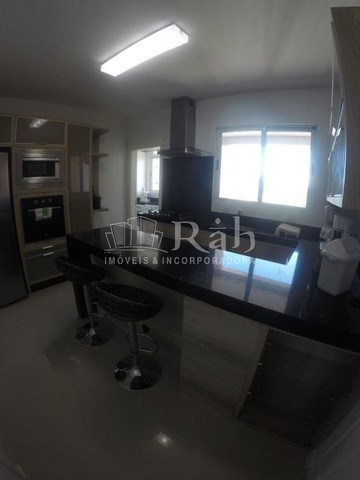 Apartamento a venda frente mar todo mobiliado no Edifício Beverly Hills na Barra Sul em Ba - Foto 12