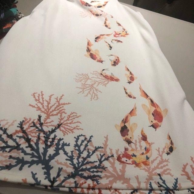 Vestido marfim forrado, estampa de peixes - Foto 3