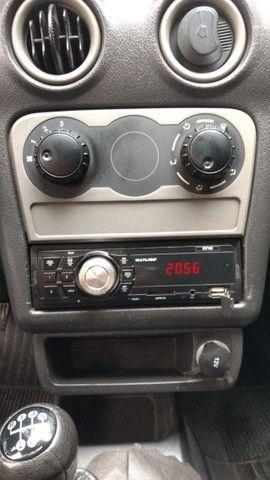 Celta 1.0 2005 Life básico 4 portas - Foto 12