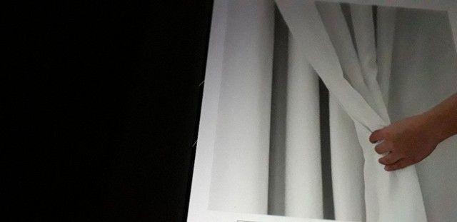 Cortina dupla Blackout 2,50m X 2,50m e cortina de tecfio sobreposta no mesmo tamanho.  - Foto 5
