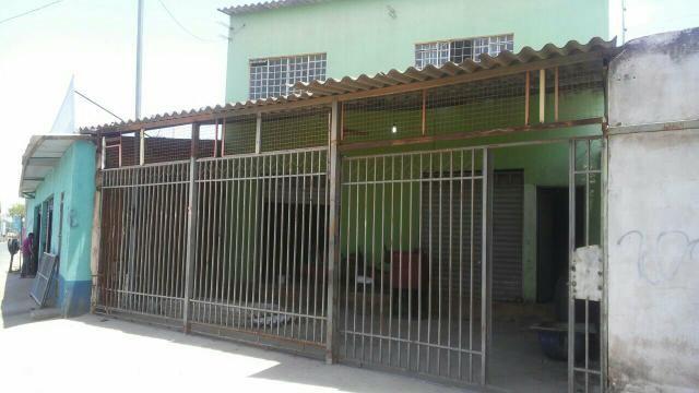 Vendo imóvel no Itapuã. R$ 150.0000, aceito carro